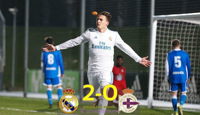 Quezada celebra su gol