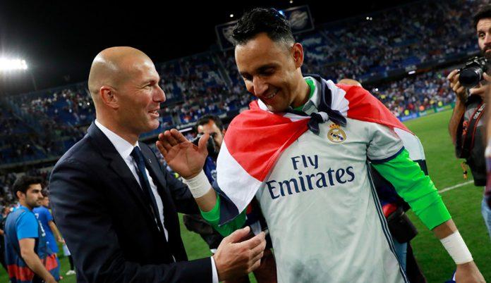 Zidane le comunicó a Keylor Navas que no seguirá en la 19-20