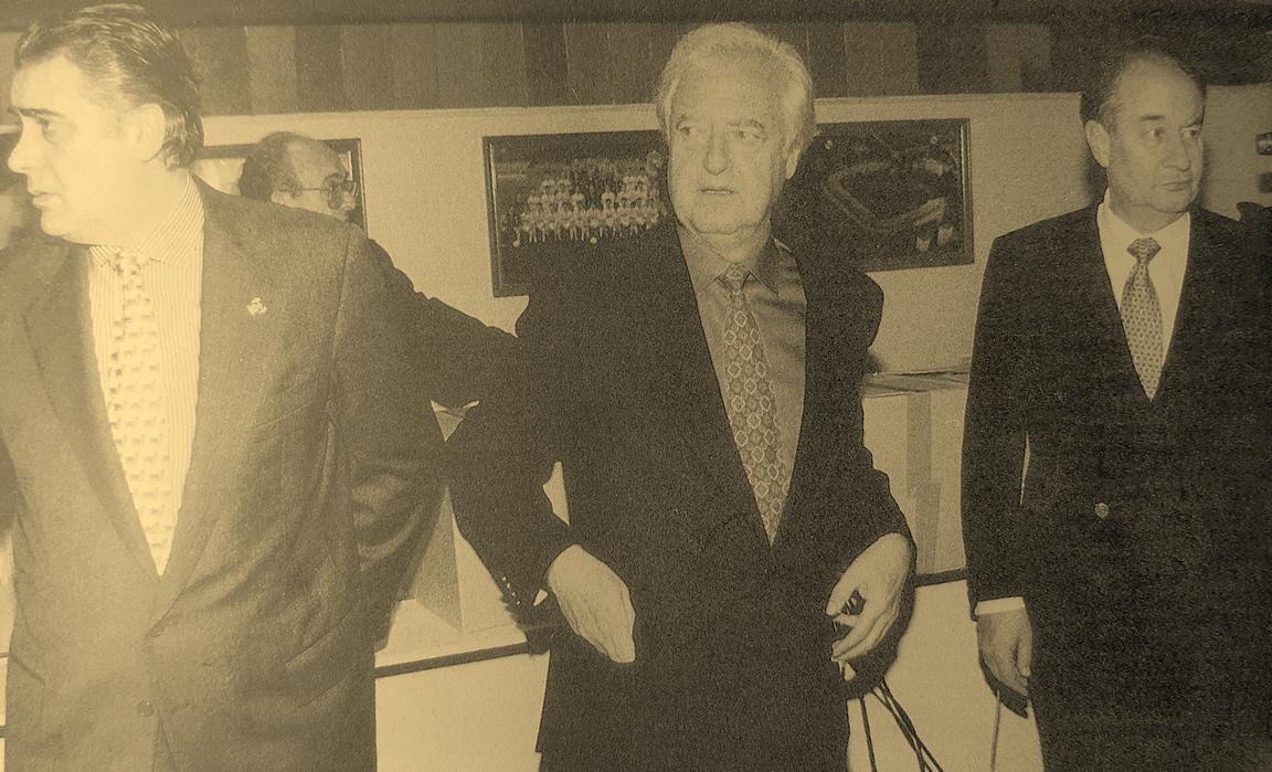 Sanz. Mendoza y Villar Mir en 1995
