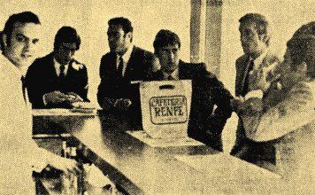 Velázquez, Betancort, Marañon, Zoco y Jose Luis en la cafetería de la Renfe de Albacete