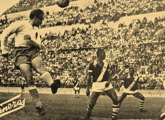 Di Stéfano, jugando con la camiseta del Valencia